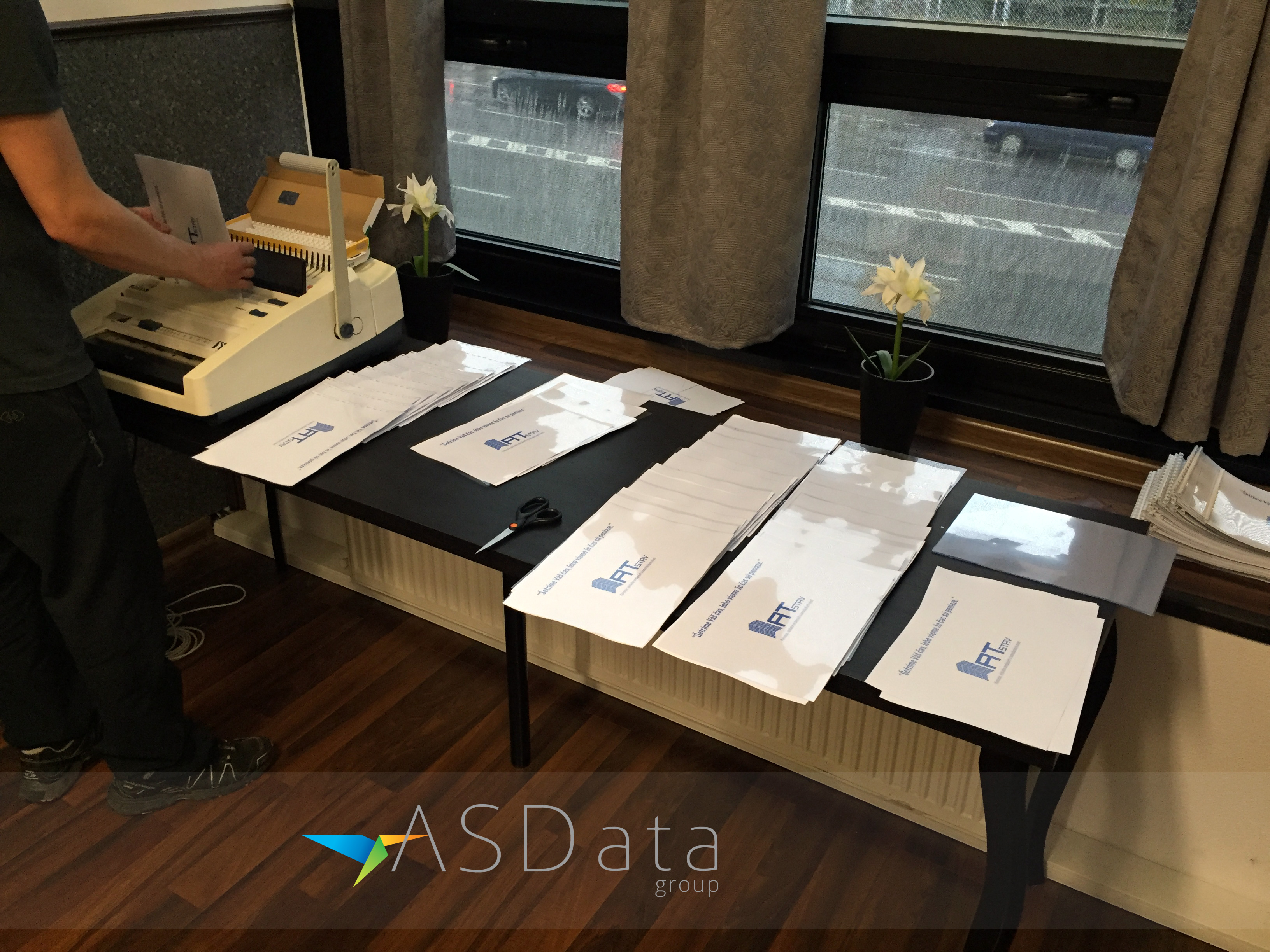 Hrebeňová väzba - zošívanie prezentačných materiálov pre ATstav